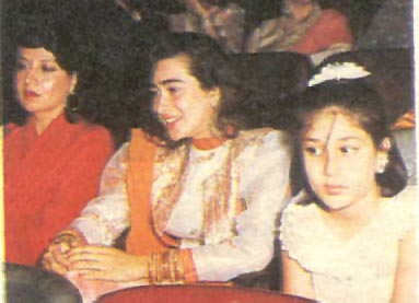 Kareena with Karisma.